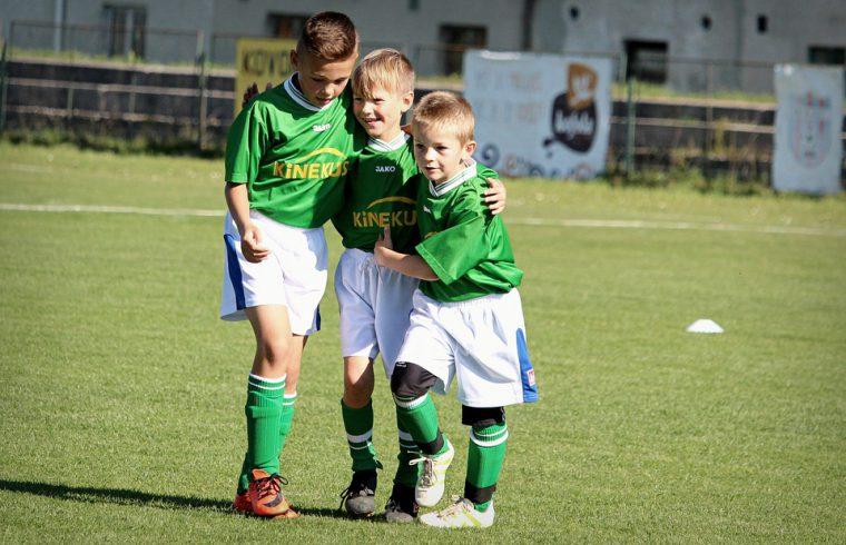 Kinderen meer aan het sporten krijgen
